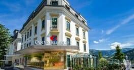 Casino-Zell-am-See-Aussenansicht-bei-Tag