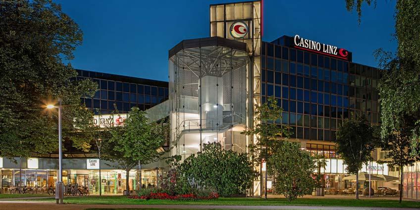 Casino Linz bei Nacht
